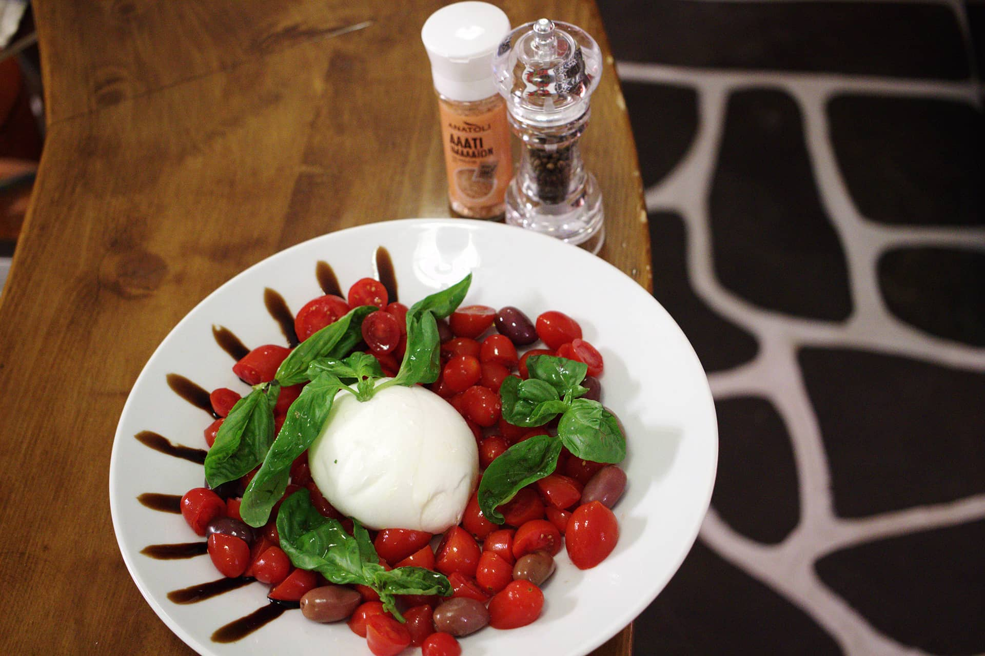 Cuorerosso-mozzarella-pomodorini